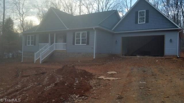 2203 Willow Oak Drive, Thomasville, NC 27361 (MLS #912740) :: NextHome In The Triad
