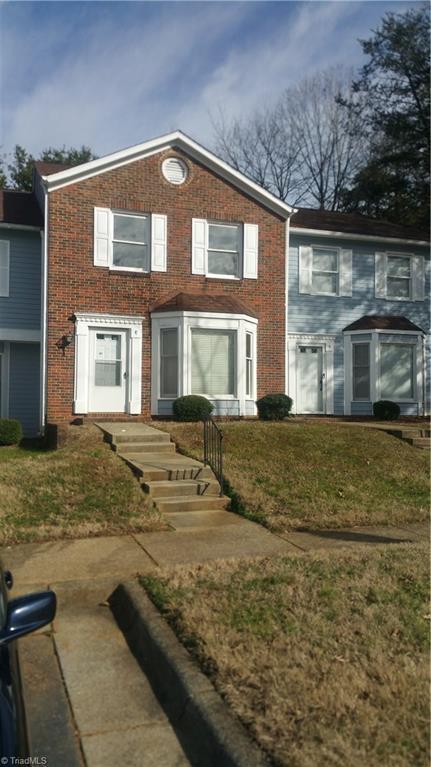 373 E Montcastle Drive E, Greensboro, NC 27406 (MLS #913578) :: Kristi Idol with RE/MAX Preferred Properties