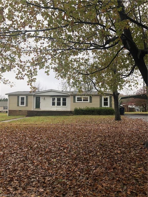 1950 Keil Drive, Pfafftown, NC 27040 (MLS #916209) :: NextHome In The Triad