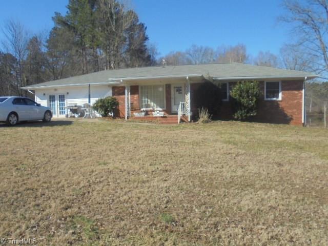 787 E Nc Highway 62, Pleasant Garden, NC 27313 (MLS #916275) :: Lewis & Clark, Realtors®