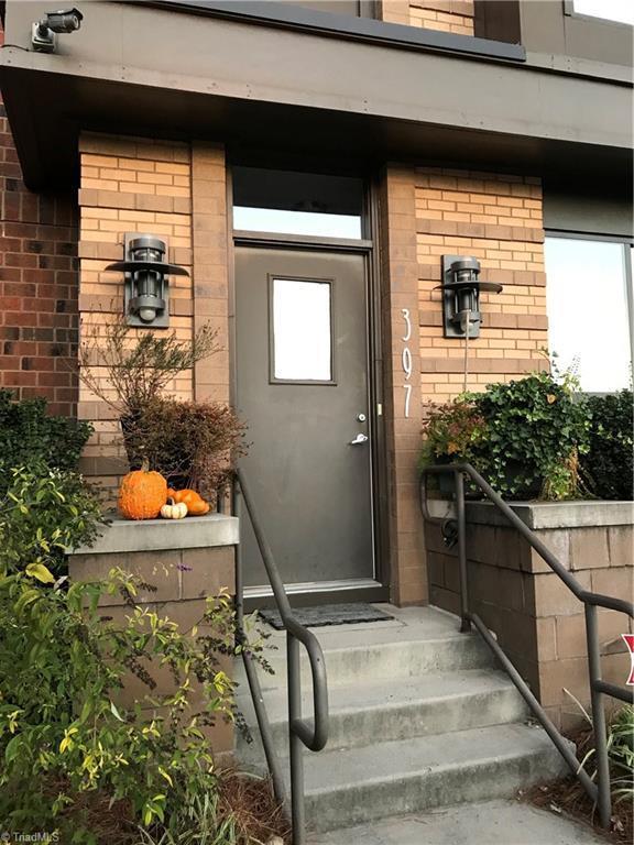 397 N Green Street #107, Winston Salem, NC 27101 (MLS #917510) :: Berkshire Hathaway HomeServices Carolinas Realty