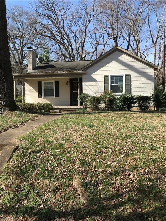 824 Gales Avenue, Winston Salem, NC 27103 (MLS #917521) :: Kristi Idol with RE/MAX Preferred Properties