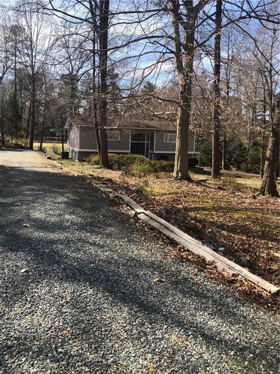 4410 Oakcliffe Road, Greensboro, NC 27406 (MLS #918299) :: NextHome In The Triad