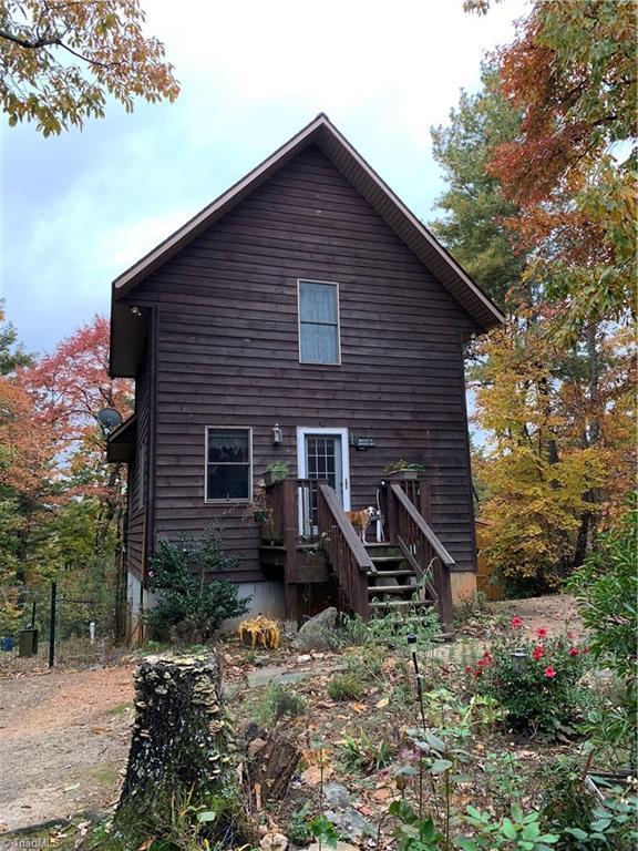 1162 Staghorn Road, Purlear, NC 28665 (MLS #922069) :: Kristi Idol with RE/MAX Preferred Properties