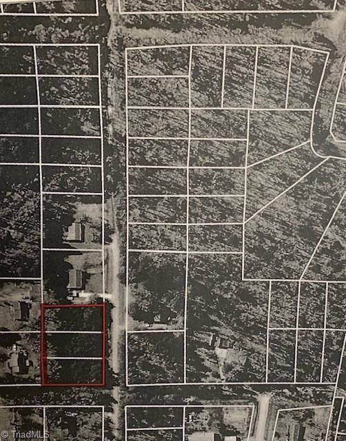4514 Harwood Road, Greensboro, NC 27406 (MLS #922222) :: Kristi Idol with RE/MAX Preferred Properties