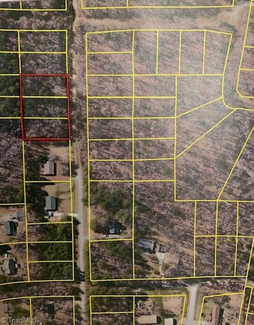 4502 Harwood Road, Greensboro, NC 27406 (MLS #922228) :: Kristi Idol with RE/MAX Preferred Properties