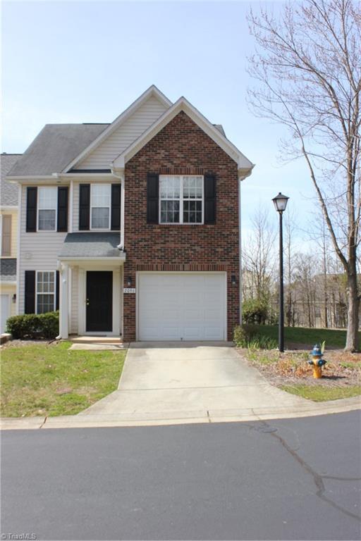 2096 Bluff View Drive, Winston Salem, NC 27127 (MLS #922501) :: Kristi Idol with RE/MAX Preferred Properties