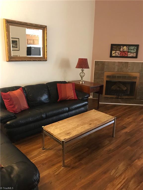 2608 Cottage Place, Greensboro, NC 27455 (MLS #923425) :: Kristi Idol with RE/MAX Preferred Properties