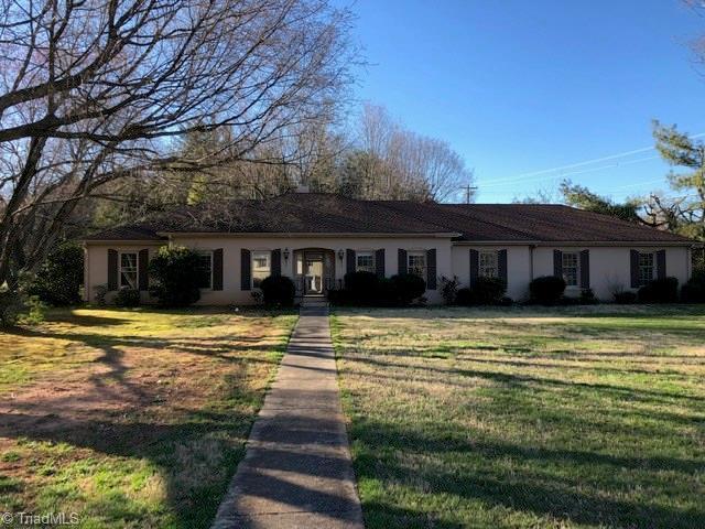 6491 Lamshire Road, Kernersville, NC 27284 (MLS #925010) :: Kristi Idol with RE/MAX Preferred Properties