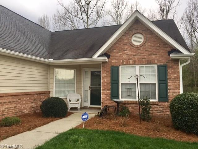 1013 Old Creek Crossing Lane, High Point, NC 27265 (MLS #927096) :: Kristi Idol with RE/MAX Preferred Properties