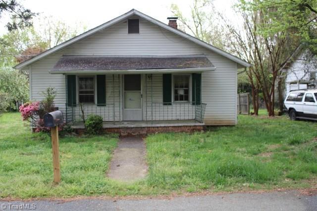 1909 Blain Street, High Point, NC 27262 (MLS #929059) :: Kim Diop Realty Group