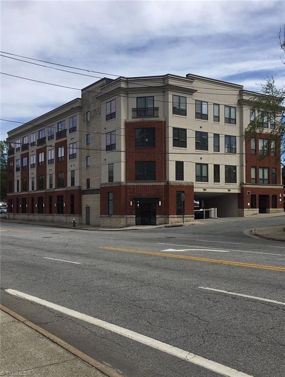 411 W Washington Street #305, Greensboro, NC 27401 (MLS #929419) :: HergGroup Carolinas | Keller Williams