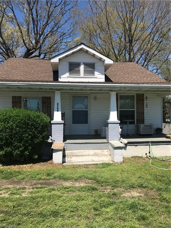 2706 English Road, High Point, NC 27262 (MLS #929562) :: Kristi Idol with RE/MAX Preferred Properties