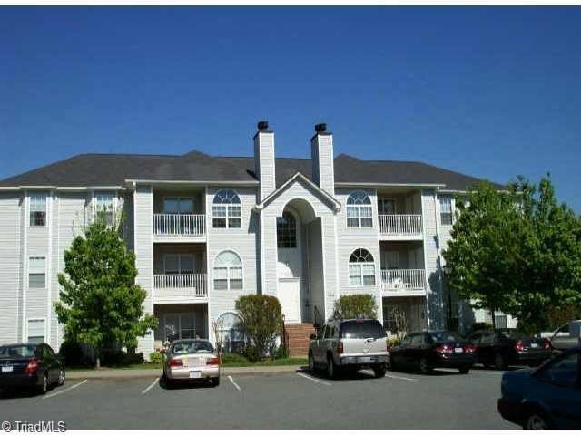 731 Rivertree Lane, Winston Salem, NC 27103 (MLS #929818) :: HergGroup Carolinas