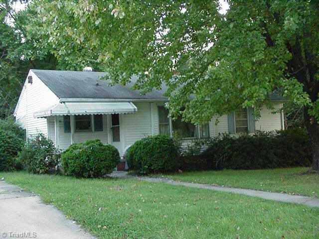1406 NE Wise Avenue, High Point, NC 27260 (MLS #929905) :: HergGroup Carolinas