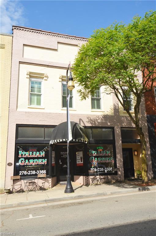 104 N. Main Street, Galax, VA 24333 (MLS #932869) :: Lewis & Clark, Realtors®