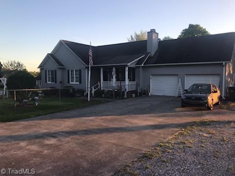 6401 Friendship Ledford Road, Winston Salem, NC 27107 (MLS #933087) :: HergGroup Carolinas