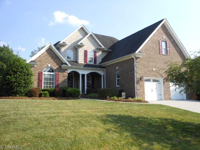 301 Norwood Hills Drive, Winston Salem, NC 27107 (MLS #934343) :: Kristi Idol with RE/MAX Preferred Properties