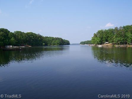 722 Emerald Bay Drive, Salisbury, NC 28146 (MLS #934961) :: RE/MAX Impact Realty
