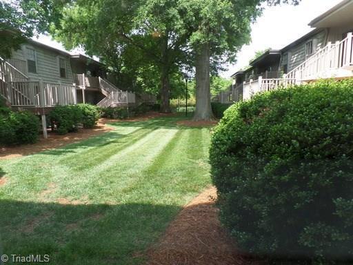 3814 Country Club Road E, Winston Salem, NC 27104 (MLS #938448) :: Berkshire Hathaway HomeServices Carolinas Realty