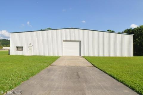 1613 Industrial Drive - Photo 1