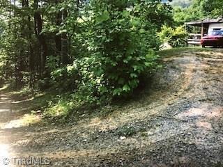 572 Willow Hill Road, Ararat, VA 24053 (MLS #939417) :: Lewis & Clark, Realtors®