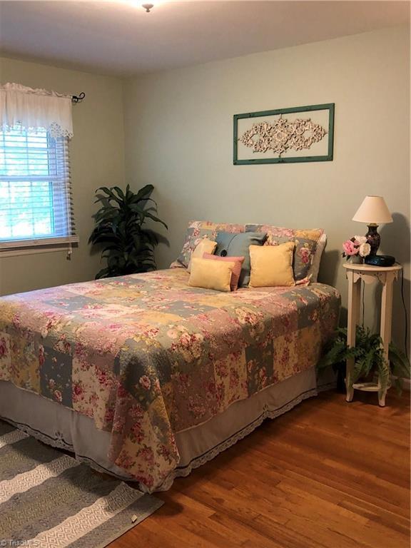 3106 Stratford Drive, Greensboro, NC 27408 (MLS #941274) :: Lewis & Clark, Realtors®