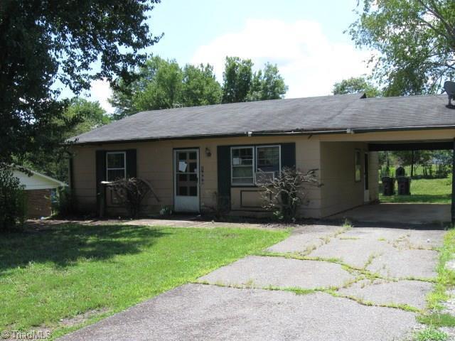 1084 Middlefork Drive, Walnut Cove, NC 27052 (MLS #943926) :: Kim Diop Realty Group