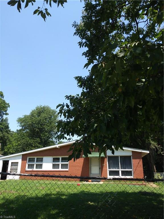 917 Norwood Avenue, High Point, NC 27262 (MLS #943950) :: Berkshire Hathaway HomeServices Carolinas Realty