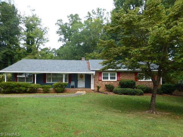 1841 Turfwood Drive, Pfafftown, NC 27040 (MLS #949798) :: Kim Diop Realty Group