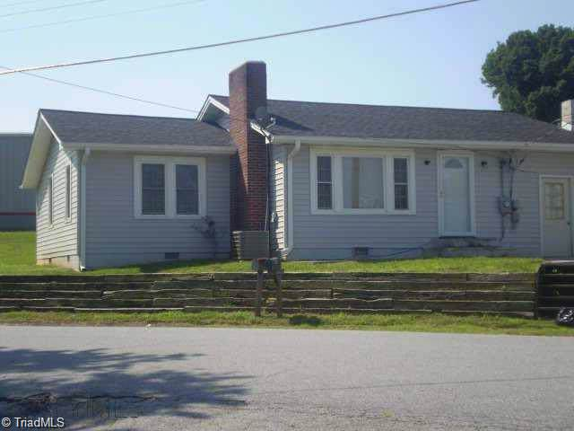 309 Main Street, Jonesville, NC 28642 (MLS #951995) :: Ward & Ward Properties, LLC