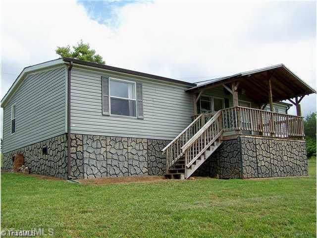 1305 Thunder Run, Boonville, NC 27011 (MLS #953731) :: Ward & Ward Properties, LLC