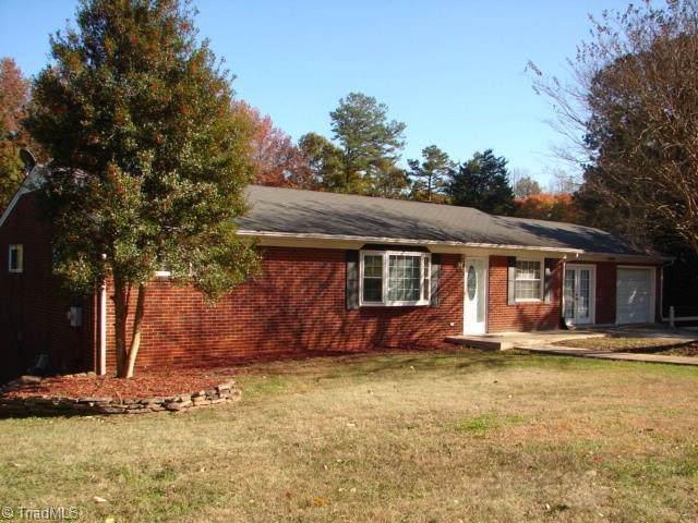 1213 Pepperidge Road, Asheboro, NC 27205 (MLS #956727) :: Ward & Ward Properties, LLC