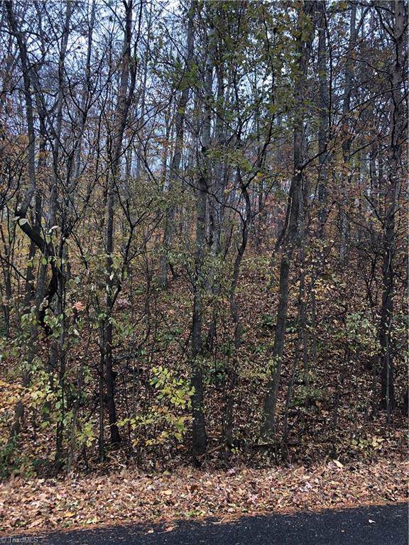 2756 Stable Hill Trail, Kernersville, NC 27284 (MLS #957441) :: Berkshire Hathaway HomeServices Carolinas Realty