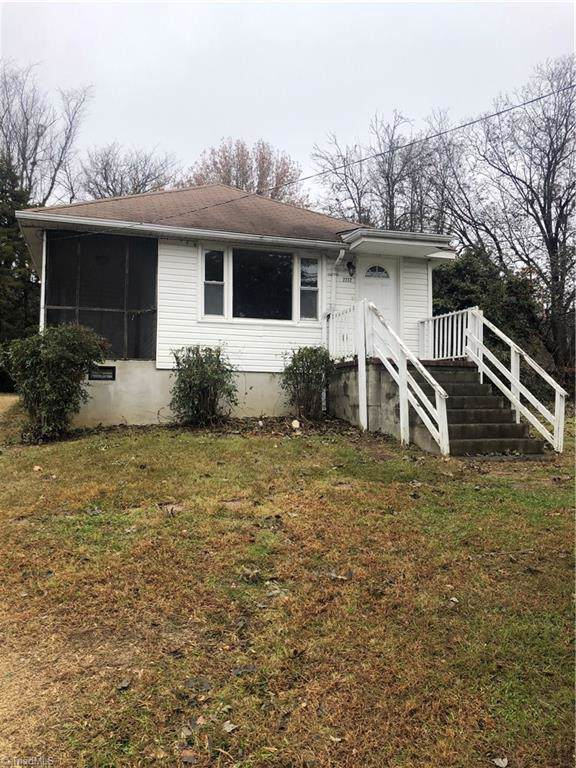 2232 Delta Place, Greensboro, NC 27406 (MLS #959747) :: Berkshire Hathaway HomeServices Carolinas Realty