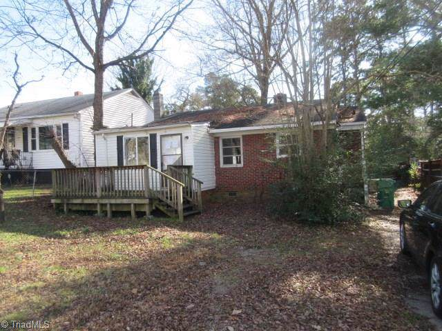 2004 E Russell Avenue, High Point, NC 27260 (MLS #961320) :: Ward & Ward Properties, LLC