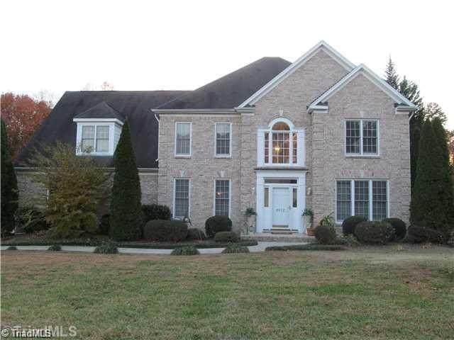 4612 Chesterfield Place, Jamestown, NC 27282 (MLS #965482) :: HergGroup Carolinas | Keller Williams