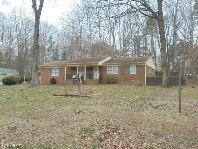 102 Wedgewood Drive, Jamestown, NC 27282 (MLS #966599) :: HergGroup Carolinas | Keller Williams