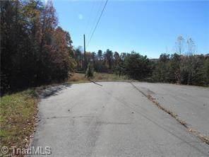 8 Voss Hill Drive, King, NC 27021 (MLS #969084) :: Team Nicholson