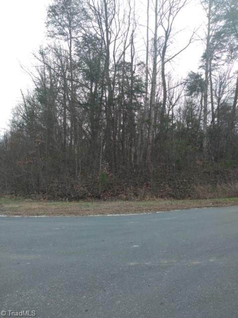 6514 Horseman Trail, Summerfield, NC 27358 (#969713) :: Premier Realty NC
