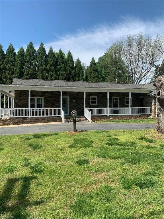 178 S Peace Haven Road, Winston Salem, NC 27104 (MLS #972488) :: Berkshire Hathaway HomeServices Carolinas Realty