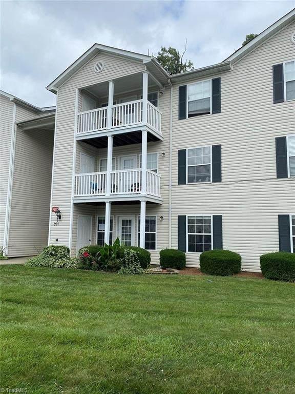 901 Hanahan Court 1B, Greensboro, NC 27409 (MLS #983953) :: Berkshire Hathaway HomeServices Carolinas Realty