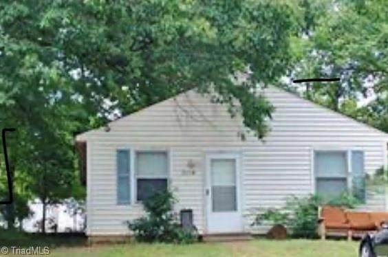 2830 Camborne Street, Greensboro, NC 27407 (MLS #985019) :: HergGroup Carolinas   Keller Williams