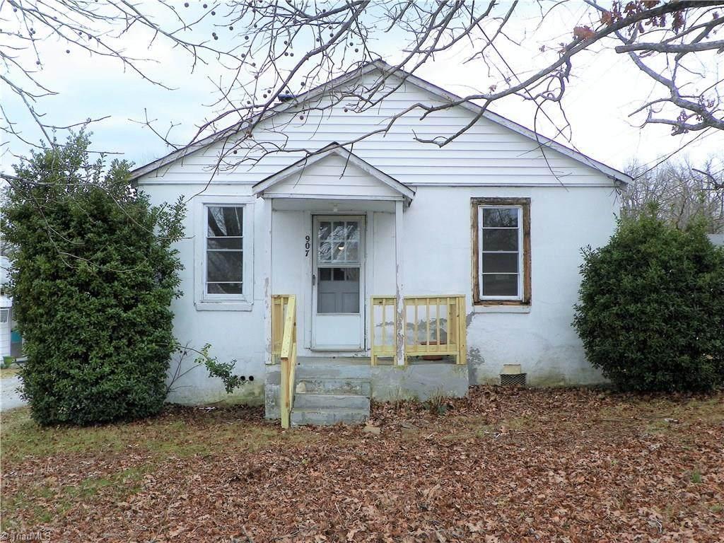 907 Old Thomasville Road - Photo 1