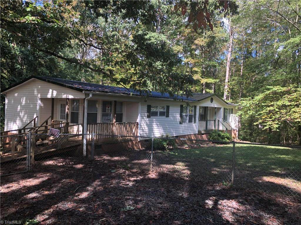 1035 Center Ridgeway Road - Photo 1