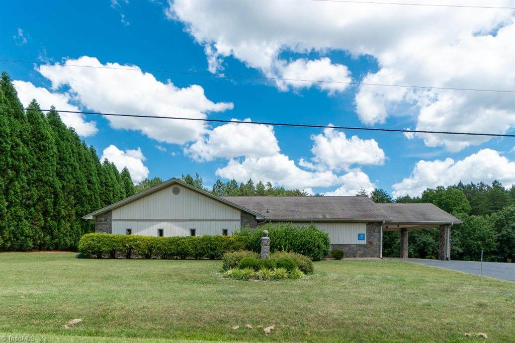 1001 Mineral Springs Road - Photo 1