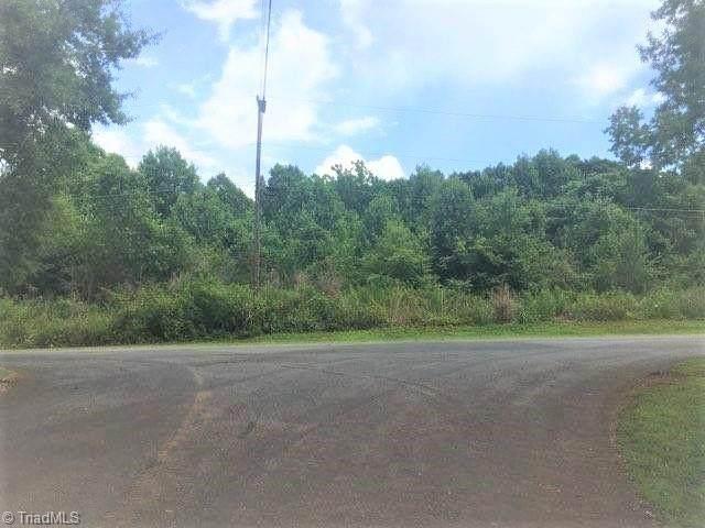 5326 Faylyn Drive, Pfafftown, NC 27040 (MLS #1033407) :: Ward & Ward Properties, LLC