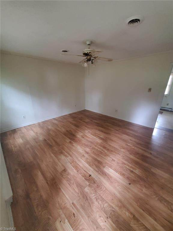 3302 Timmons Avenue, Greensboro, NC 27406 (MLS #1045878) :: Berkshire Hathaway HomeServices Carolinas Realty
