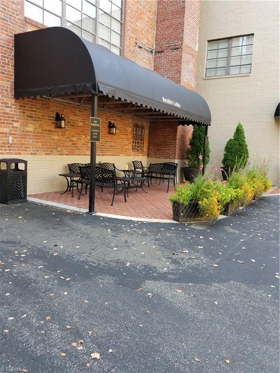 165 Virginia Street #202, Mount Airy, NC 27030 (MLS #841113) :: Kristi Idol with RE/MAX Preferred Properties