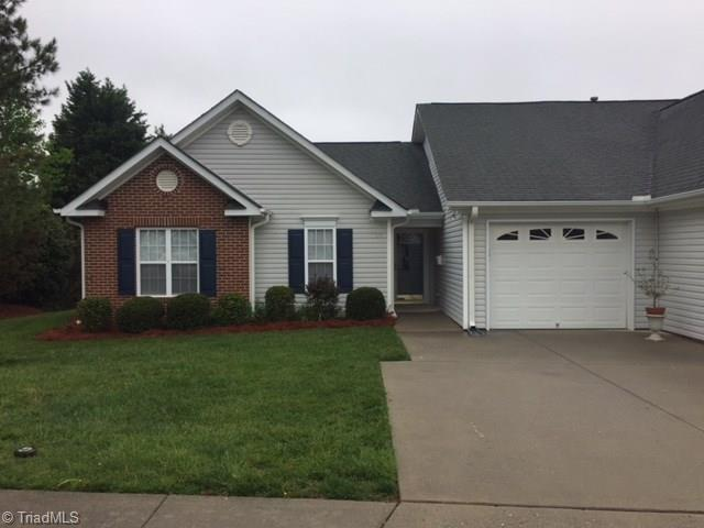 1277 Friends Lane, Kernersville, NC 27284 (MLS #884855) :: Kristi Idol with RE/MAX Preferred Properties